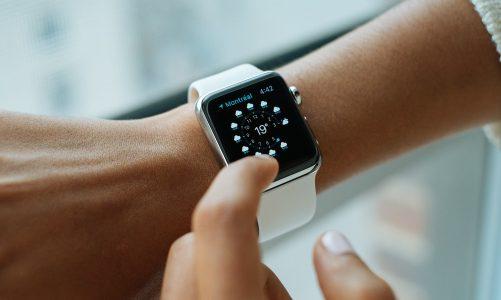 Chronograf w zegarku – czym jest i do czego służy?