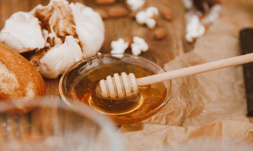 Miód gryczany – co warto o nim wiedzieć?